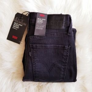 NWT Levi's Mile High Ankle Skinny Black Jeans
